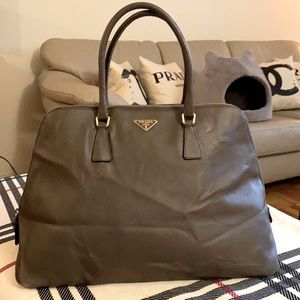 Auth Prada saffiano leather promenade bag